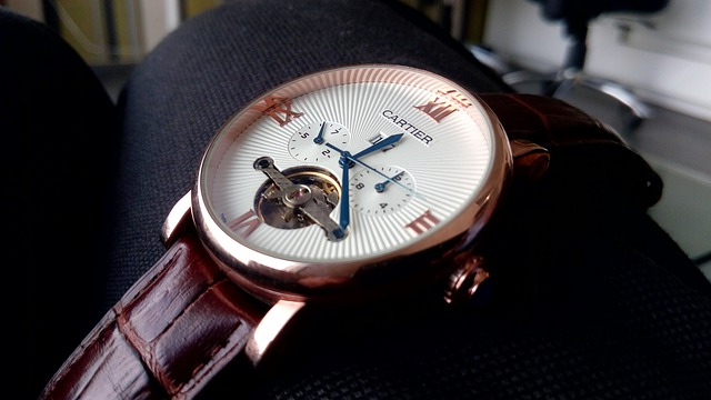10 easy tips to maintain your watch for a longer time