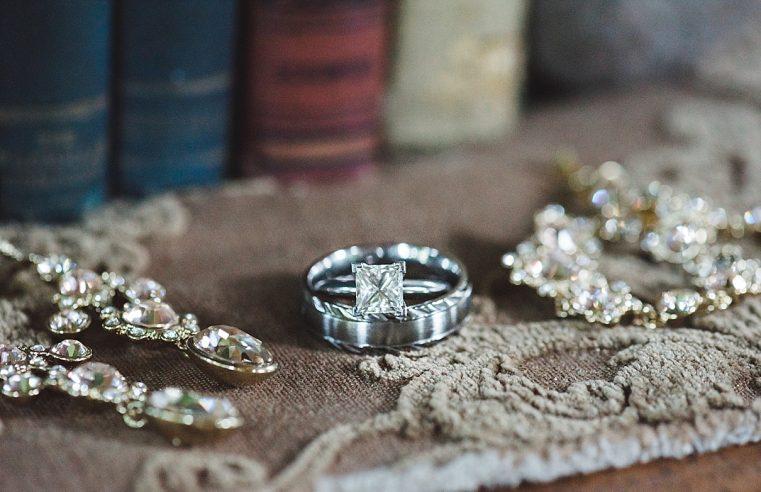 THE INTRICATE PROCESS OF DIAMOND CUTTING